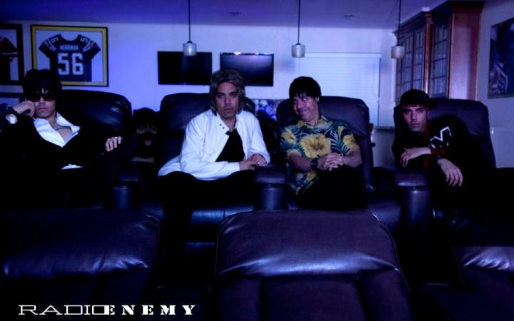Radio_Enemy_Pic_002