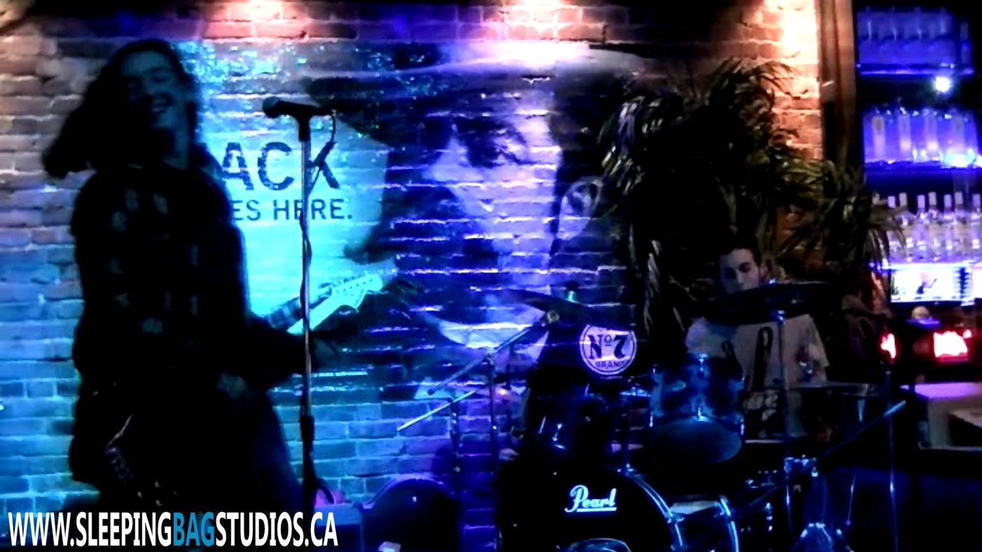 0061 - Overdose (Live @ The Forum 2013)
