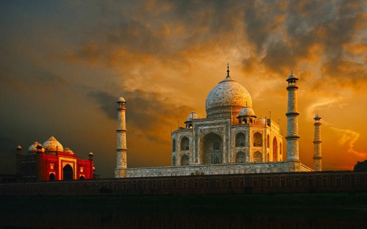Abhishek Chaudhary – Echoes At Taj