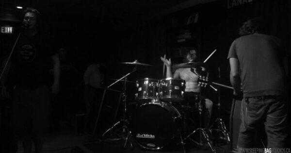 0204 - The Pit (Live @ Lana Lou's 2017)